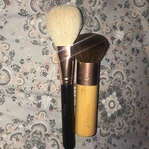 Morphe R7 & Ecotools brush